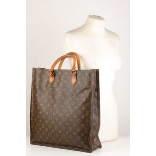 da834023d572 Louis Vuitton Tote bag – Current sales – Barnebys.com