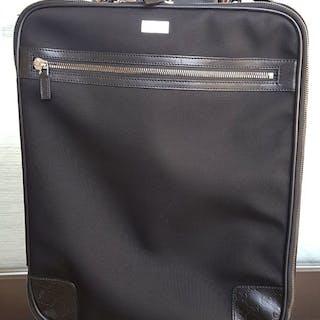 2d36a51a02f1 Gucci Suitcase – Current sales – Barnebys.com