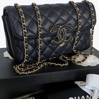 cd47d1f3d8780b Chanel - 2018 Flap Bag Shoulder bag – Current sales – Barnebys.com