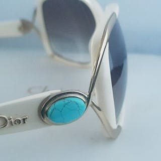 831fb1b33c Christian Dior Sunglasses – Current sales – Barnebys.com
