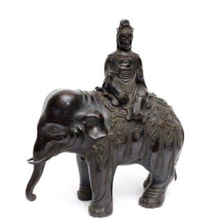 Bronzefigur des Bodhisattva Kannon - Bronze - Bodhisattva...