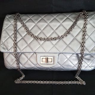 8d503c75fb8e Chanel - 2.55 Jumbo double flap Handbag – Current sales – Barnebys.co.uk