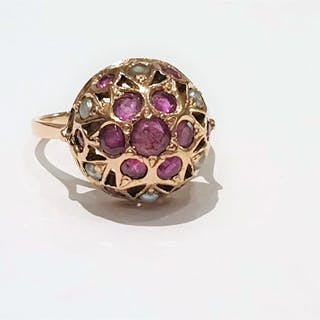 14 kt. Yellow gold - Ring - 0.79 ct Ruby - Pearls