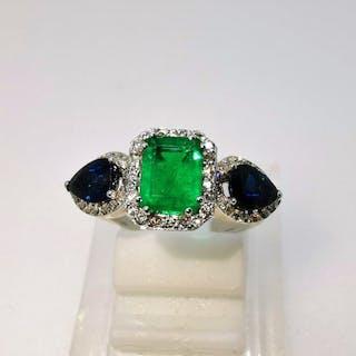18 kt. White gold - Ring - 2.83 ct Emerald - Diamonds