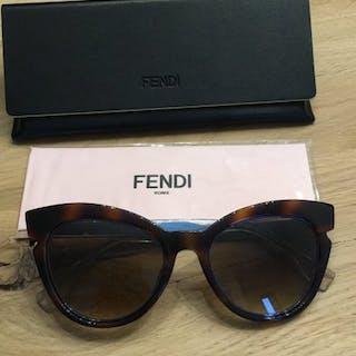 b44ef15d5e54 Fendi - FF0132 6 N9OJD Sunglasses – Current sales – Barnebys.com