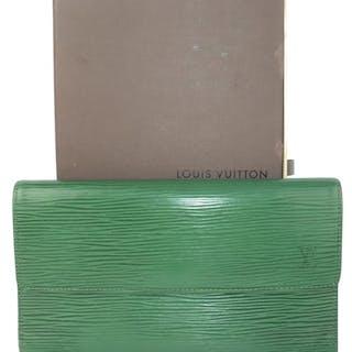 b21d31b613e2 Louis vuitton wallet – Auktion – Alla auktioner på Barnebys.se