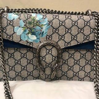 9cb1d238db4f Gucci - Velvet Mini Marmot limited edition Crossbody bag Catawiki · Gucci -  marmont Crossbody bag Catawiki · Gucci ...