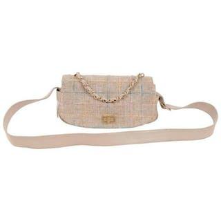 19f0b5a76483 Chanel Crossbody bag – Current sales – Barnebys.com
