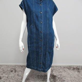 cdc33a3b Fendi - Dress – Current sales – Barnebys.com