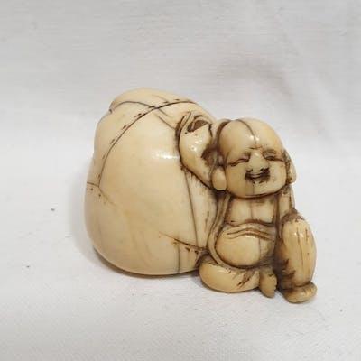 Netsuke - Avorio di elefante - Hotei con sacco - Giappone...