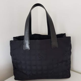 7e163497b696 Handbags chanel – Auction – All auctions on Barnebys.co.uk