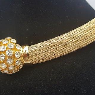 59173b52905e45 Christian Dior boutique stylish classic choker Necklace