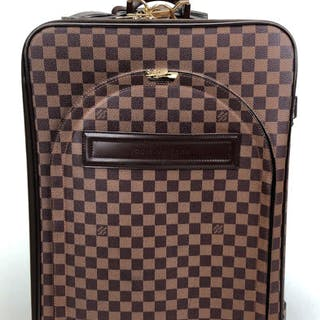 5758b167f670 Vuitton damier – Auction – All auctions on Barnebys.com