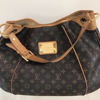 e3d44d936d36 Short time left! Louis Vuitton - Galliera Grande Shoulder bag