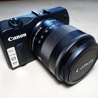 Canon EOS M + 18-55mm IS