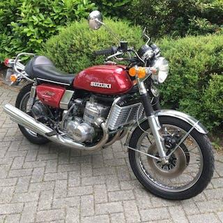 Suzuki - GT 750 - 3 cylinder - 2T - 750 cc - 1976