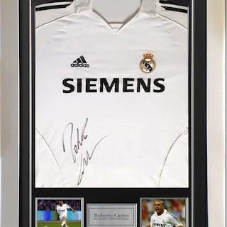 Signed & Framed Real Madrid - Roberto Carlos - Shirt