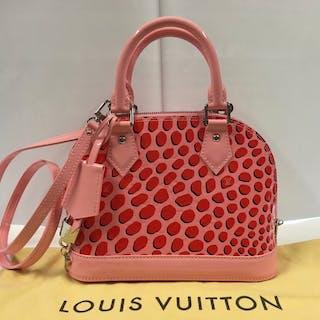 989e353e34f0 Handbags louis vuitton – Auction – All auctions on Barnebys.co.uk