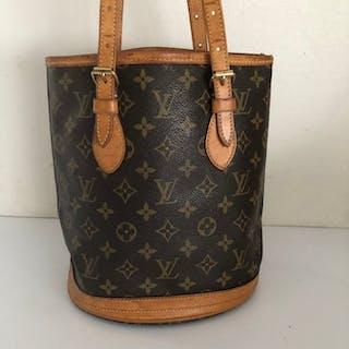 61b622338798 Louis Vuitton - Bucket monogram PM Shoulder bag