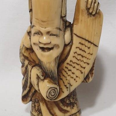 Netsuke (1) - Avorio di elefante - Jurojin con pergamena...