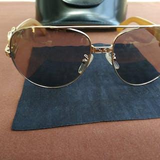 859e5dbbc280 Fendi Sunglasses – Current sales – Barnebys.co.uk