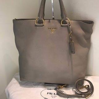 24b850bb0114 Prada Tote bag – Current sales – Barnebys.com