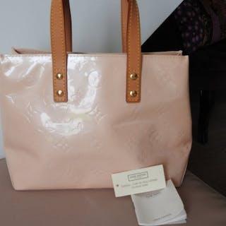Louis Vuitton Sac Reade PM Vernis Handbag