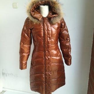 baa0bd589f897 Fur coats – Auction – All auctions on Barnebys.com