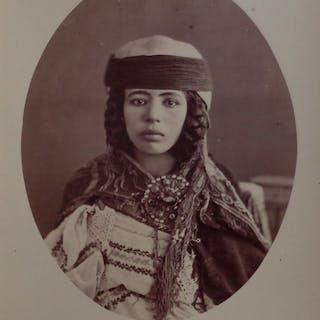 Non identifié (XIX) - Portrait de femme des Ouled Naïls
