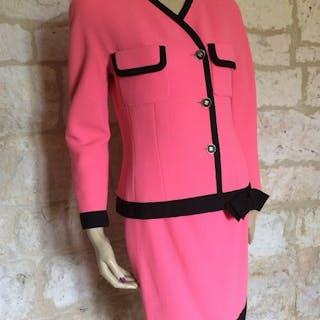 Chanel - Suit - Size: EU 38 (IT 42 - ES/FR 38 - DE/NL 36)