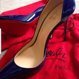 Christian Louboutin - Iriza 100 Pumps