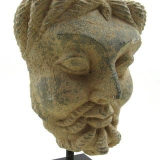 Seltenes Gandhara Schiefer Asketenkopf auf Ständer montiert