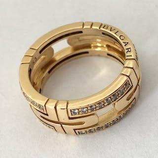 Bvlgari - 18 kt. Yellow gold - Ring - 0.70 ct Diamond