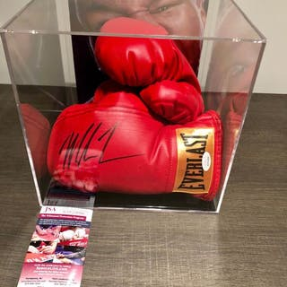 Boxing - Mike Tyson - Boxing gloves