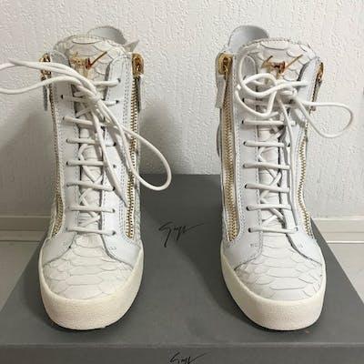 f6333233ae2a6 Giuseppe Zanotti - Wedge Snake Sneaker Sneakers | Barnebys