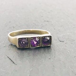 Silber - Ring, VINTAGE - Damen Ring besetzt mit lila Steinen in Silber