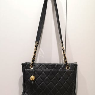 3dd2b1cc3095 Chanel bag – Auction – All auctions on Barnebys.com