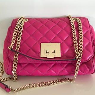 8dbe1cd1b5 Michael Kors Handbag