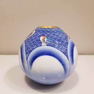 Vaso - Imari - Porcellana - Decorated with cranes over...