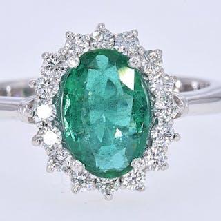 2039df38a 18 kt. White gold - Ring - 2.65 ct Emerald - Diamonds