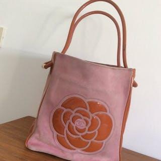 15ab7539e86e13 Chanel bag – Auction – All auctions on Barnebys.com