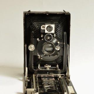 C.P. Goerz Tenax 9 x 12 cm platen camera met lens Dagor 130 mm.