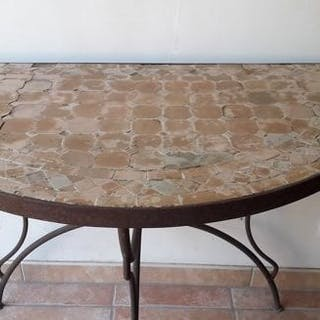 Half-circle console in wrought iron and mosaic terracotta / tomettes