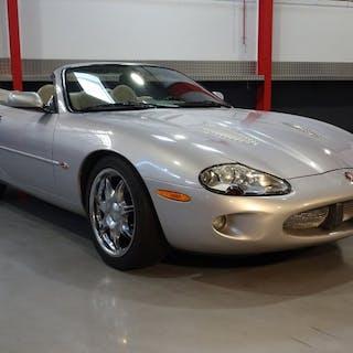 Jaguar - XKR 4.0L V8 Convertible - NO RESERVE - 2000