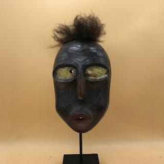 Mask - Wood - False mask - Iroquois-style - North America