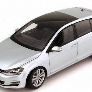 Norev - Maßstab 1/18 - Volkswagen VW Golf VII, 2013 - Silber