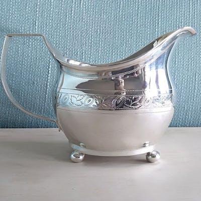 hand engraved George III , Milk jug - .925 silver - London - U.K. - 1811