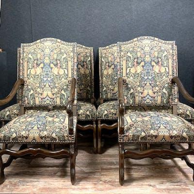 importante série de sièges Louis XIII en bois naturel...