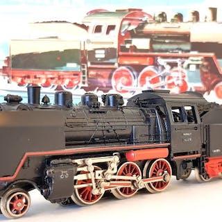 Märklin H0 - 3003 - Dampflokomotive mit Tender - BR 24 - DB