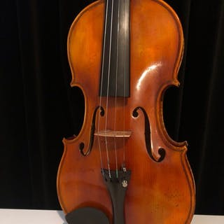 Beautiful violin, labeled Georges Defat luthier a Paris - Violin - France - 1934